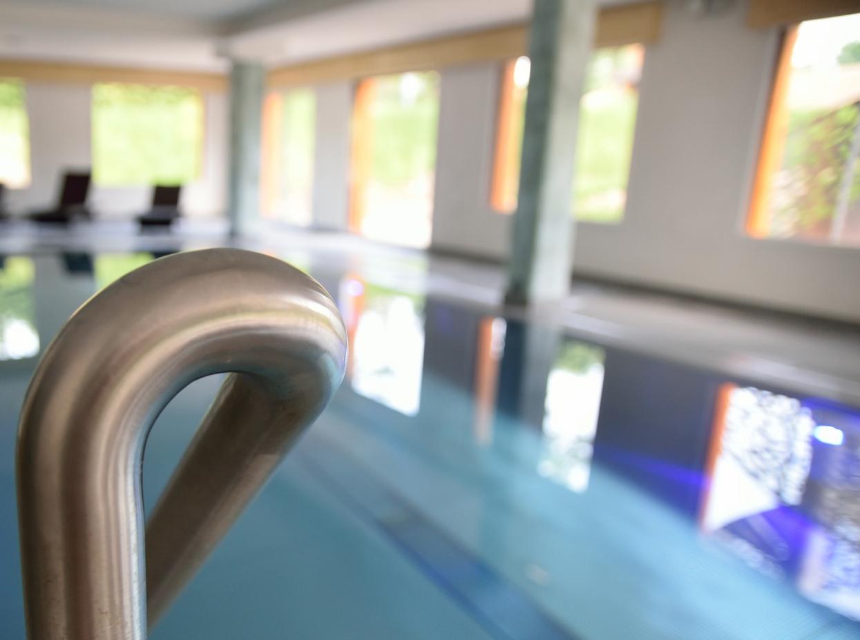 piscine inox - hôtel - Le Champ du Feu